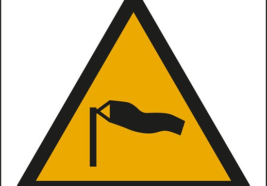 (attenzione; venti forti – warning; strong winds)