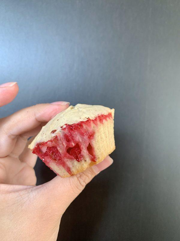 Cupcakes met rode bessen