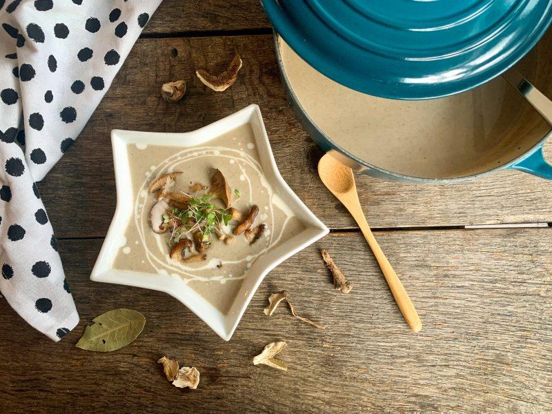 Romige zachte champignonsoep