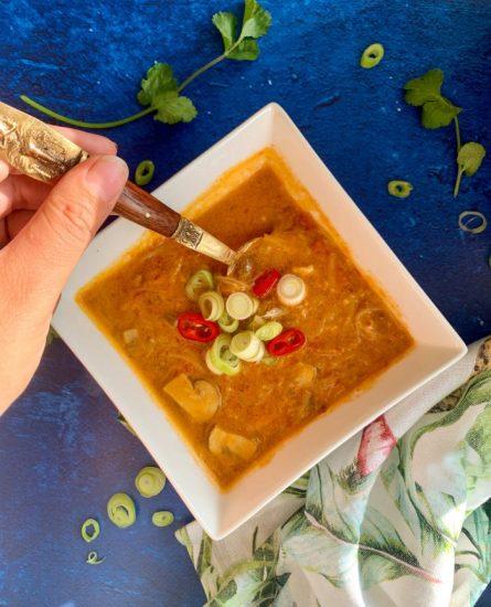 Thaise currysoep met rijstnoedels