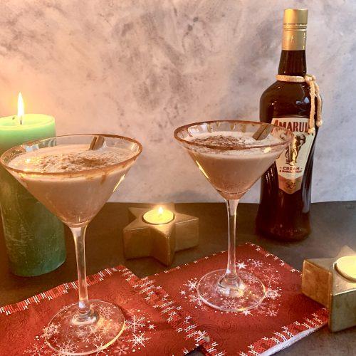 Winterse cocktail met Amarula en kaneel
