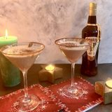Winterse Amarula cocktail met kaneel