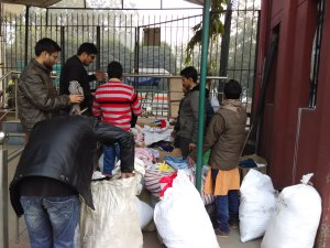 Jamia students became Santa for homeless in Jamia Nagar