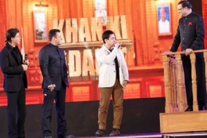 Khantastic moment: Shah Rukh, Salman, Aamir share the  stage