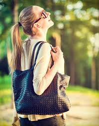 10 Things That Every College Girl Must Carry