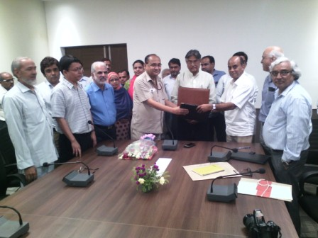 Signing of MoU on Unani medicine courses between JMI and CCRUM