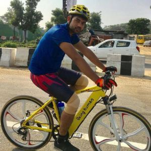 Meet this student on his bicycle expedition all the way to Mumbai for Big Boss 11 auditions