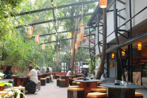 Student Hangout Places near NMIMS and Mithibai College