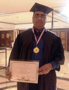 AMU Professor receives CSI fellowship medal and certificate