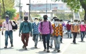 Coronavirus: अपने घर के लिए राजस्थान से पैदल ही निकल पड़े हैं बिहार के 14 मजदूर