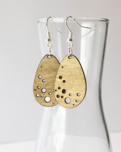 Pendant Earring Plywood – Bubble drop design laser cut – Aardwolf Design