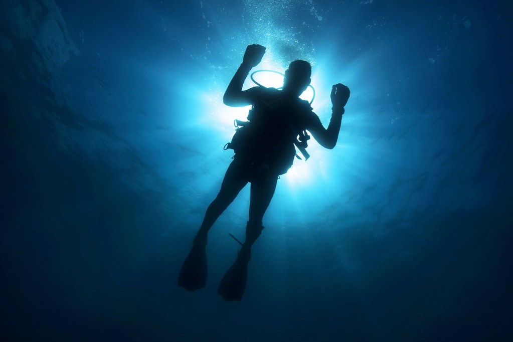 diver, light, diving-108881.jpg