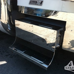 Tool Box Step and Cover for Freightliner Classic  Part#: 030115.1.0.6 $950 / PAIR