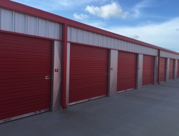 Outdoor self storage rentals are well secured dry units to rent in Nederland TX