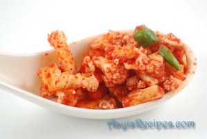Cauliflower and/or carrot pickle(Flowera nonche)