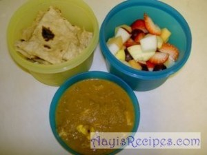Lunchbox: Chapathi, Egg curry and fruits