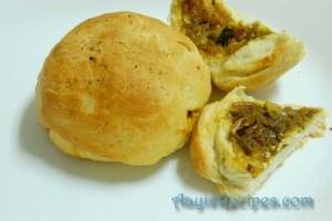 Spicy stuffed potato buns (Khara buns)