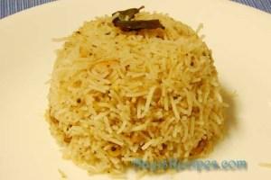 Tamarind rice (Puliyogare)
