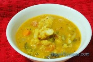 Vegetable kootu with kootu podi