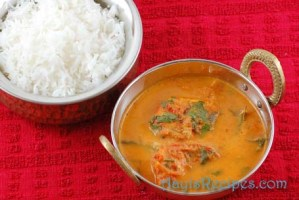 Fish in tomato-yogurt gravy