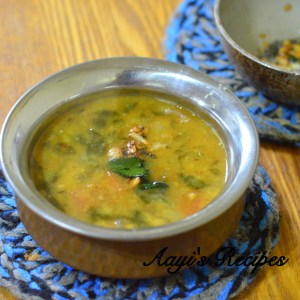 Spinach Dal with Garlic (Lasuni Dal Palak)