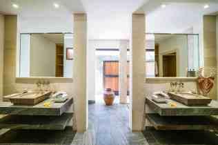 Villa Kadek Bedroom 2 Bathroom(2)