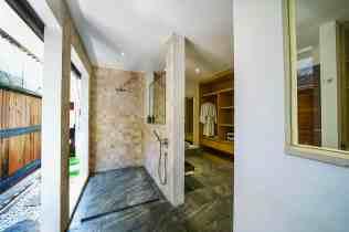 Villa Kadek Bedroom 2 Bathroom(3)