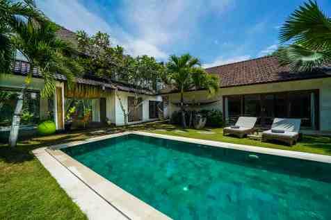 Villa Nyoman Swimming Pool 1(5)