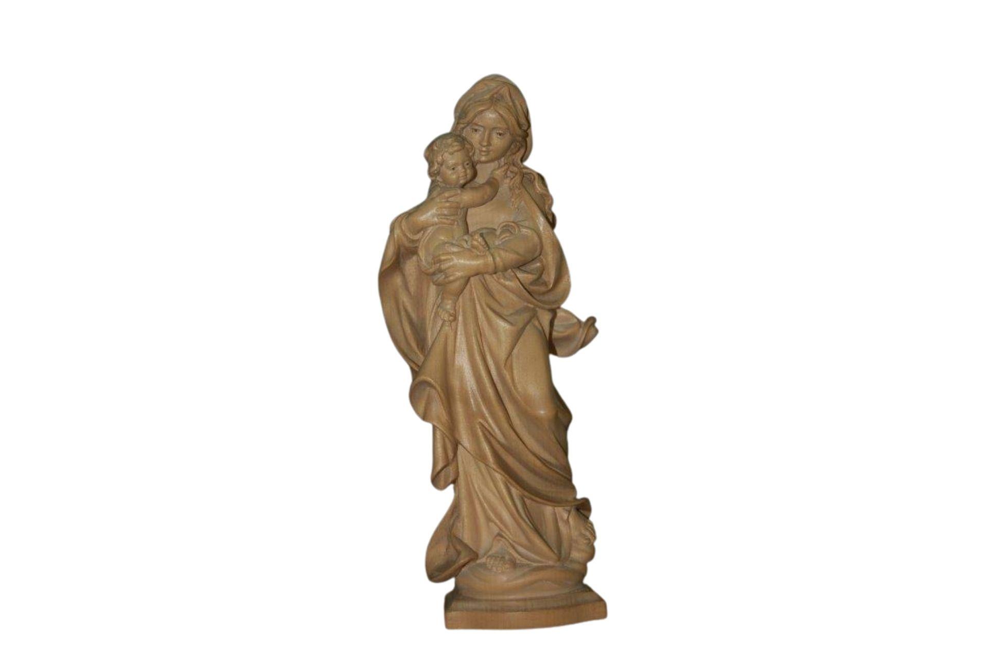 Virgen de madera natural