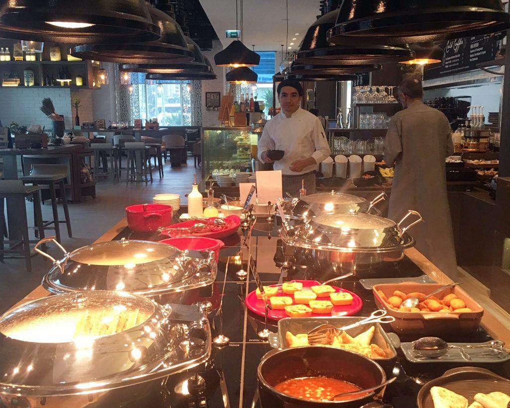 Al Maha Arjaan Cafe 302 Buffet