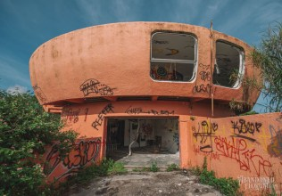 Homestead UFO House | Photo © 2011 Bullet, www.abandonedfl.com