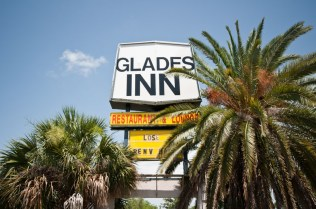 Glades Inn | Photo © 2011 Bullet, www.abandonedfl.com