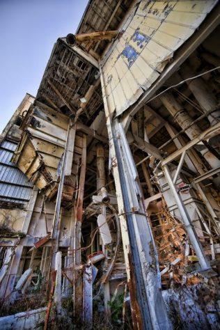 Prairie Pebble Phosphate Co. Dry Bin   Photo © 2009 Jeff Fillmore,