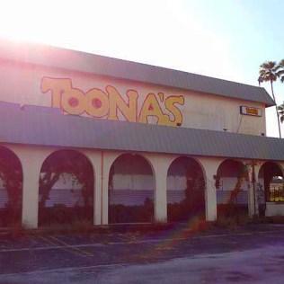 Toonas - Photo by 808shirts, 2014