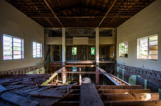 Holloman Park Methodist Episcopal Church | Photo © 2015 Bullet, www.abandonedfl.com