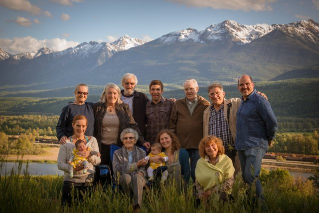 family__portraits_golden_bc