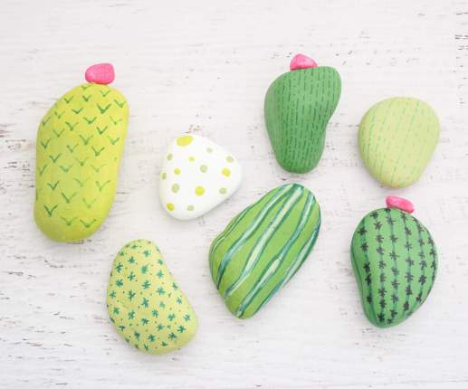 Easy Rock Painting Ideas: DIY Cactus Rock Painting Tutorial.