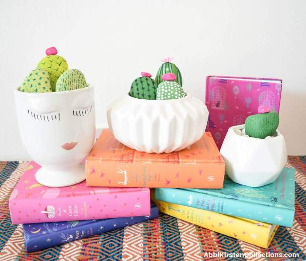 Easy Rock Painting Ideas: DIY Cactus Rock Painting Tutorial. Learn how to easily get started with rock painting. Paint your own kindness rocks.