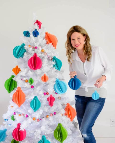 Create your own easy 3D paper Christmas ornaments with our ornament templates. Get your home holiday ready with these easy-to-use templates!