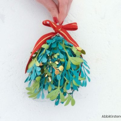 DIY Paper Mistletoe: Deck the Halls with Christmas Kissing Balls