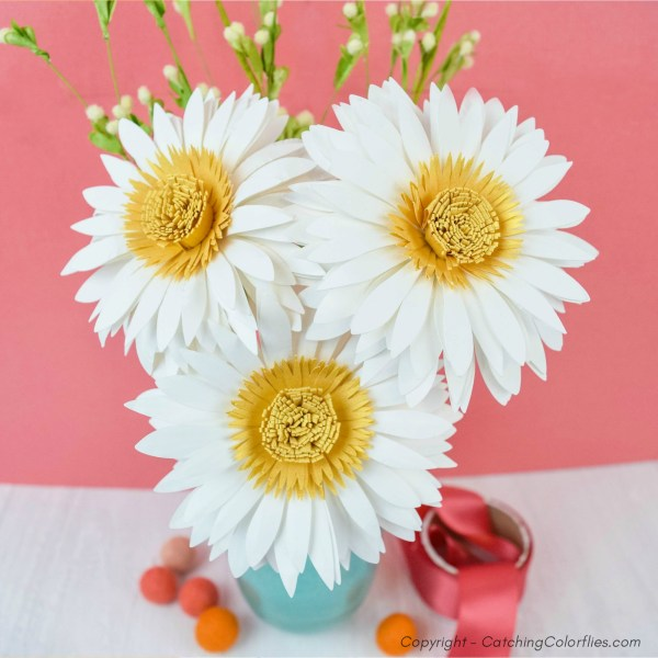 Daisy blooms made from paper