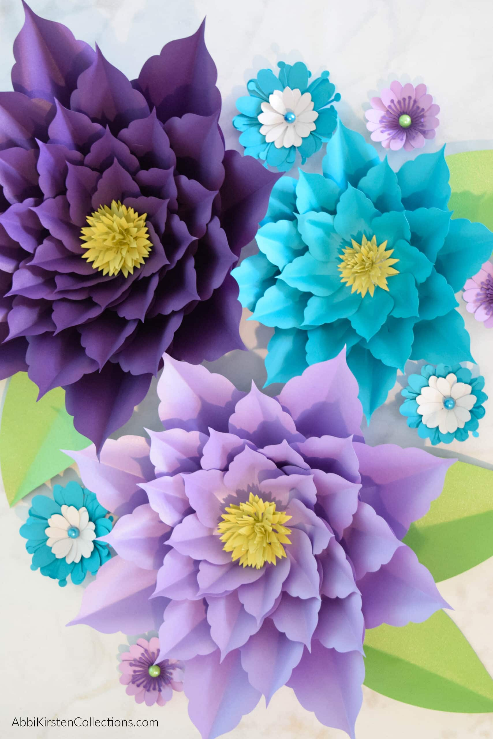 DIY Giant Amaryllis Paper Flowers – Templates and Tutorial