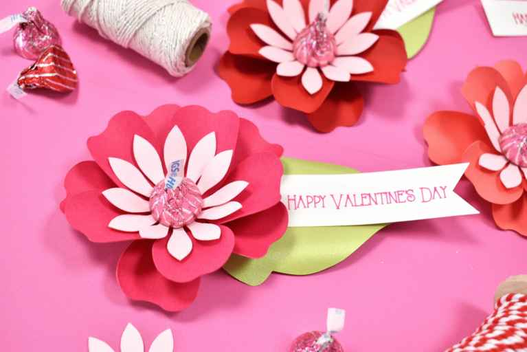 DIY Paper Flower Kiss Candy Valentines Craft – Free Printable Flower Templates and SVG Cut Files