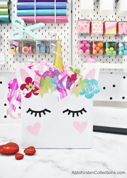 DIY Valentines Box Ideas - Create a unicorn valentines box and a dinosaur box for your kids with these free unicorn and dinosaur templates.