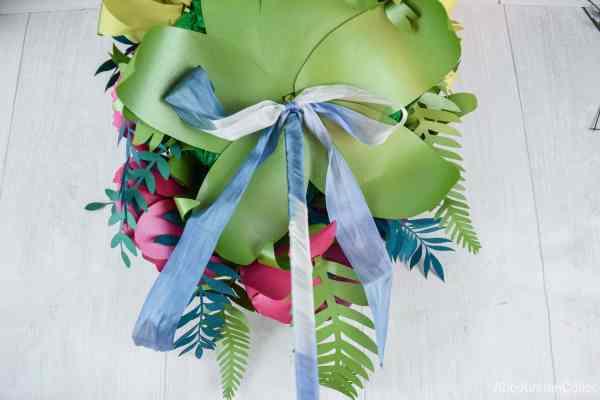 Leaf closeup of your paper flowers bouquet
