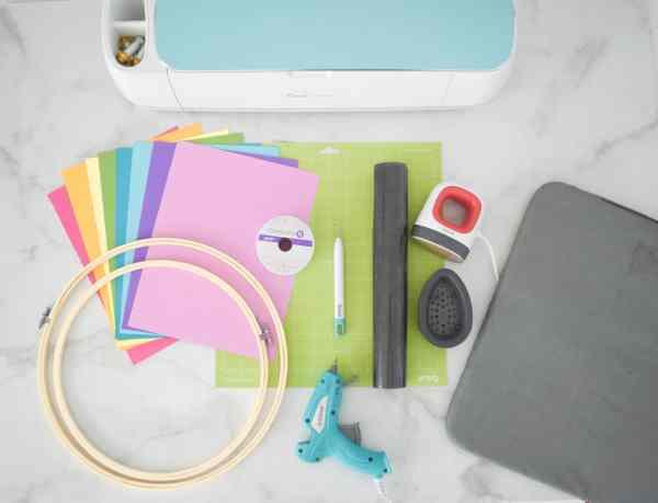 Supplies for make paper butterflies.