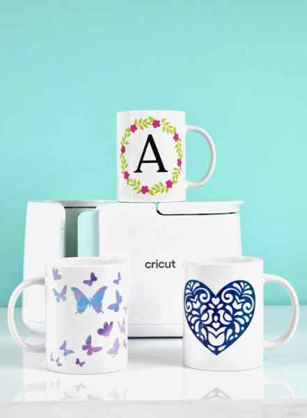 Learn how to use the Cricut mug press. How you can add more than one color of infusible ink to your mug so that you can add different colors and layers to your design!
