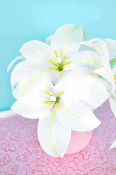 White crepe lily flower tutorial