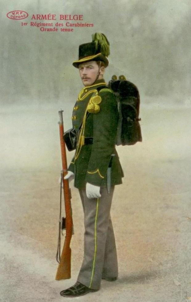 VPF 1 Régiment des carabiniers Grande tenue 001