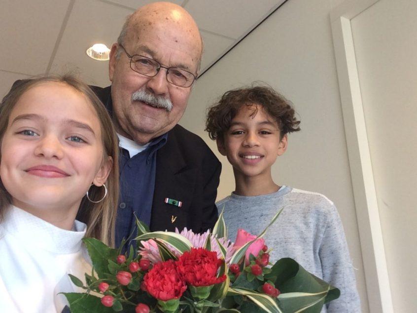 Malick en Valentina met veteraan Ruud Ackerman